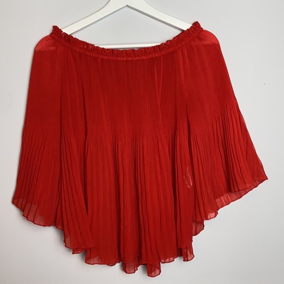 Zara Pleated Off the Shoulder Top in Red, M, 9/10